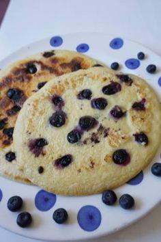 Pfannkuchen ohne Zucker mit Heidelbeeren von breifreibaby Baked Oats, Baby Led Weaning, Baby Food Recipes, Sweet Tooth, Low Carb, Pie, Cookies, Baking, Healthy