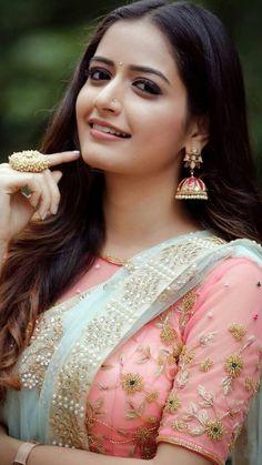 Most Beautiful Indian Actress, Beautiful Actresses, Beauty Full Girl, Beauty Women, India Beauty, Asian Beauty, Indian Beauty Saree, Indian Sarees, Beautiful Saree