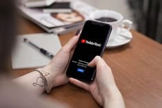 YouTube Music 免費音樂串流服務正式登場,升級 Premium 零廣告體驗 Samsung, Music, Youtube, Musica, Musik, Muziek, Music Activities, Youtubers