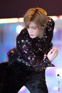 Nct 127, Korean Face, Nct Yuta, Dancing King, Daddy Long, Reasons To Live, Kpop, Winwin, Taeyong