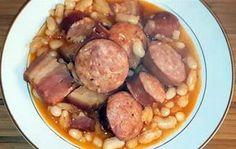 La meilleure recette de Cassoulet (Cookeo)! L'essayer, c'est l'adopter! 5.0/5 (2 votes), 4 Commentaires. Ingrédients: - 500 gr d'haricots blancs secs - 1 oignon - 1 gousse d'ail - 350 gr de lard fumé - 1 saucisse de Morteau - 2 saucisses de Montbéliard - 1 petite boîte de concentré de tomates - 1 cube de bouillon de poule - Du poivre de Cayenne - 1 L d'eau (+ 1,5 L pour faire tremper les haricots) - 1 saucisson à l'ail - 1 bouquet garni