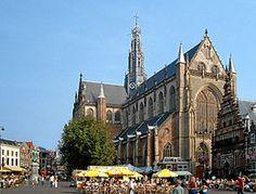 De Grote Markt met de Grote Sint-Bavokerk