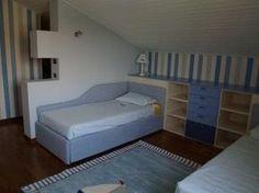 Un sottotetto abitabile negli ultimi anni viene adibito spesso a cameretta da letto per i nostri figli, ecco allora qualche consiglio su come arredare una mansarda.