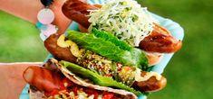 Asiatisk korv med gurksallad, sweetchili och majonnäs - Ingelsta kalkon Chicken, Ethnic Recipes, Food, Chili Con Carne, Essen, Meals, Yemek, Eten, Cubs