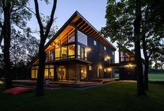 Fun cabin/vacation home idea. | Projector House by CULTivation Design