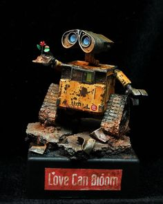 Wall-E scale model by DuskFrost. Pinned by #relicmodels