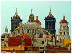 Cúpulas en Centro Historico de Puebla - chapels in Mexico.