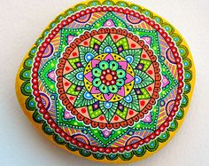 Beach stone with hand-painted designs in acrylics These stones are unique with their design. I paint and draw all of my original designs by hand with the acrylic paints, small brushes with extra fine tip. I use also different inks. No stencils are used. Pebble Painting, Dot Painting, Pebble Art, Stone Painting, Mandala Rocks, Flower Mandala, Stone Mandala, Stone Crafts, Rock Crafts