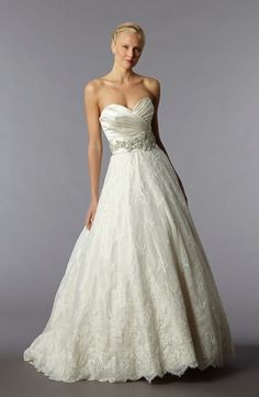 Danielle Caprese - Sweetheart A-Line Gown in Lace I'm in love!