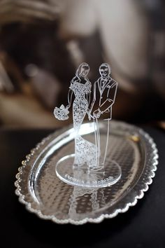 tailor-made perspex cake toppers with your wedding illustration (available at www. - a unique design accent and keepsake Laser Cutter Ideas, Laser Art, Ring Holder Wedding, Wedding Illustration, Laser Cut Acrylic, Plexus Products, Laser Engraving, Unique Weddings, Laser Cutting