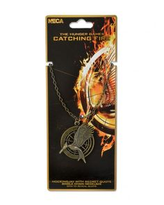 A new Mockingjay necklace with a secret quote on it to. Hunger Games fans are gone love this Catching fire necklace with the Mockingjay standing proud. Hunger Games Merchandise, Hunger Games Catching Fire, Hunger Games Trilogy, Fandom Jewelry, Katniss And Peeta, Secret Quotes, Mockingjay, Cursed Child Book, Fire Movie