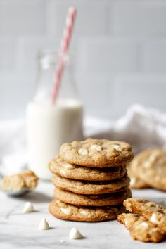 Brown Butter Cookies, White Chocolate Chip Cookies, Miso Butter, Cookies Ingredients, No Cook Meals, Sweet Treats, Yummy Food, Tasty, Cocktail Rings