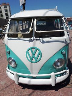 Volkswagen Bus Vanagon Bus | eBay TURKIS BUS 1962 FROM PRIVATE CA COLLECTION, SAFARI WINDOWS see more  #VWBus on https://www.pinterest.com/wfpblogs/vw-bus/
