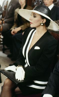 """Dynasty """"The Reunion"""", 1991.  She slayed it so well in the previous fashion photo, this funeral scene is next.   Soooo classy!"""