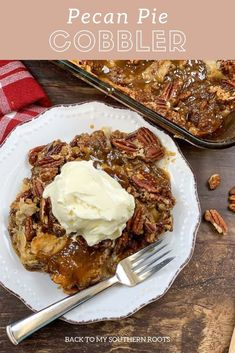 Pecan pie cobbler is an easy and delicious dessert, especially for the Thanksgiving and Christmas holidays. The easy pecan pie cobbler recipe features a double Pecan Desserts, Pecan Recipes, Homemade Desserts, Easy Desserts, Gourmet Recipes, Delicious Desserts, Dessert Recipes, Pie Recipes, Candy Recipes