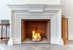 Polished concrete hearth and matching mantle with horn detail and return details hooking the chimney breast. Chimney Breast, Fire Surround, Concrete Design, Polished Concrete, Fireplace Surrounds, Living Room, Hearths, Mantle, Horn