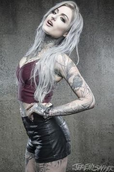 Sexy Tattoos, Girl Tattoos, Saudade Tattoo, Ryan Ashley Malarkey, Chica Dark, Tattoed Women, Hot Tattoo Girls, Goth Women, Beauty