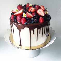 "112 Likes, 18 Comments - Ali Halland (@plumcakery) on Instagram: ""Strawberry Tall Cake with a ganache drip and loads of fresh berries #strawberrytallcake…"""