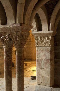 Category:Interior of Prieuré de Serrabone Romanesque Art, Romanesque Architecture, Santa Maria, Round Arch, Languedoc Roussillon, Vaulting, Byzantine, Provence, Tower