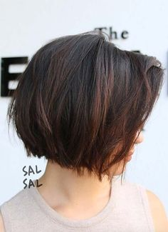 Short Hairstyles for Women: Textured Bob