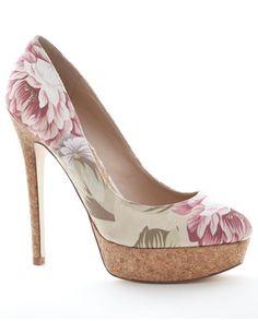 198 melhores imagens de Sapatoterapia no Pinterest   Beautiful shoes ... 1a34f5df00