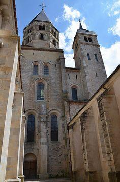 Clocher de l'Eau Bénite et clocher de l'Horloge,.Abbaye de Cluny - Bourgogne