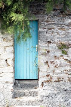 have always loved the Old World (European) habit of painting doors ...