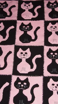 Ravelry: Cat and Mouse afghan and pillow pattern by Deb Richey