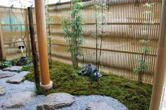 Cross waved bamboo constructions