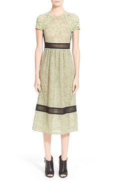 BURBERRY Floral Guipure Lace & Macramé Dress. #burberry #cloth #