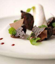 Michelin Star Food, Magic Cookie Bars, Chocolate World, Raspberry Cheesecake, Health Desserts, Culinary Arts, Gluten Free Desserts, Dessert Bars, Plated Desserts