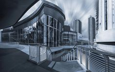Gurney Paragon Mall.. by EDEMIN RAMIREZ viewfinder image production on 500px
