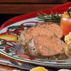 Beef Tenderloin Roast Recipe -Beef tenderloin is a simple way to dress up a holiday dinner. This impressive entree is actually easy to make because it bakes in the oven unattended, allowing you to prepare other parts of the meal. Beef Dishes, Food Dishes, Main Dishes, Beef Tenderloin Roast, Pork Roast, Maine, Roast Beef Recipes, Cooking Recipes, Game Recipes