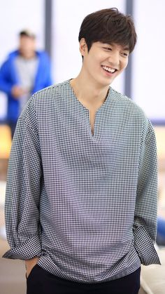 Lee Min Ho ^^ Legend of the blue sea drama Boys Over Flowers, Asian Actors, Korean Actors, Korean Dramas, Lee Min Ho Smile, Jun Matsumoto, Hong Ki, Lee Min Ho Photos, Song Joong