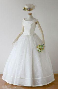 ローブ・ドゥ・マリエ セツコアオキ No.24-0049 ウエディングドレス 結婚式
