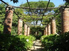 Italy, Gardens and Parks: Villa Cimbrone, Ravello