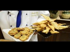 Laci bácsi konyhája - Káposztás sonkás herőce - YouTube Chicken Wings, Make It Yourself, Youtube, Food, Essen, Youtubers, Yemek, Youtube Movies, Meals