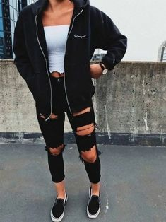 Stylish Ideas: How to Create the Perfect Ripped Jeans Outfit - Ripped Jeans Outfit Ideas - Mode Jugend Mode Outfits, Elegantes Outfit, Business Outfit, Teen Fashion Outfits, Womens Fashion, Fashion Fashion, Fashion Trends, Fashion Ideas, Fashion Drug