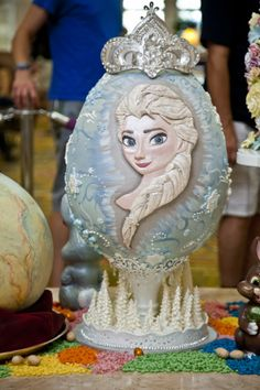 Grand Floridian Easter Egg Display 2014 Frozen