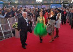 Mey Green en la alfombra roja de #Eurovisión con botines Rebeca Sanver