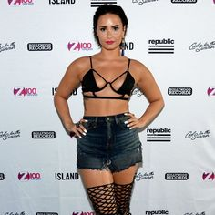 Demi Lovato Wears Super Sexy Bikini at 'Cool For the Summer' Pool Party!: Photo Demi Lovato rocks some sexy thigh-high stiletto boots at her Black Bikini Tops, Sexy Bikini, Cuerpo Demi Lovato, Beyonce, Demi Lovato Style, Demi Love, Summer Pool Party, Photoshop, Night Looks