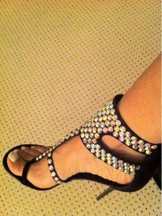 Evelyn Lozada Shoe Store | VH1 Star Evelyn Lozada – Cosmopolitan Magazine's Fun Fearless Males ...
