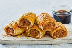 Healthy tuna mornay recipe Dim Sim, Pork Mince, Frozen Puff Pastry, Flaky Pastry, Sausage Rolls, Recipe Sites, Latest Recipe, Frugal Meals, New Recipes