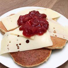 Pancakes every day😍  Er blitt litt avhengig av pannekaker for tiden, men når det både er sunt og godt... hvorfor ikke?😋 - 👻 minlivsstil0 - #pannekaker #sunnepannekaker #melkno #peanøttsmør  #matformuskler  #curves #sunt #suntoggodt #helse #helseglede #kosthold #sterkejenter #ernæring #aktivejenter #fitnessbloggen  #pancakes #healthypankakes #proteinpancakes #peanutbutter #pb #fitness #health #healthyfoodinspiration #healthy #healthyfood #healthyeating #healthyliving #healthychoices…