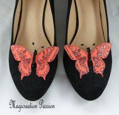 clips chaussures papillons soie rouge, corps de  perles, modèle Maéva Clip, Chanel Ballet Flats, Flip Flops, Sandals, Shoes, Jewelry, Women, Fashion, Butterfly Shoes