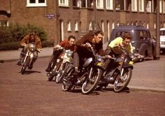 Vintage Motorcycles Racing in the neighbourhood - Vintage Moped, Motos Vintage, Vintage Cafe, Vintage Motorcycles, Peugeot 103, Custom Moped, Holland, Motor Scooters, Mini Bike