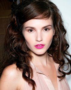 bright pink lip + neutral eyes