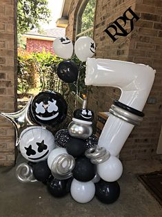 10th Birthday Parties, Man Birthday, Birthday Party Themes, Birthday Balloon Decorations, Birthday Balloons, Balloon Arch, Balloon Garland, Balloon Bouquet Delivery, Custom Balloons
