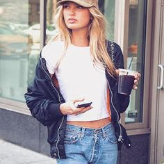 海外セレブニュース&ファッションスナップ: 【ロミー・ストリド】VSモデル私服、キャップがキュートなきれいめストリートスタイル!