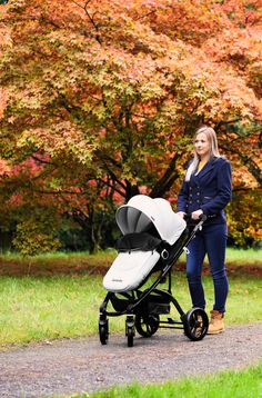 The FLO system is extremely light weight, it is the lightest Travel System in our range. The chassis and wheels weigh a mere This is made possible due to the ergonomic chassis design, use of the latest technology aluminium and composite materials. Travel System, Travel Light, Latest Technology, My Size, Baby Strollers, Car Seats, Wheels, Range, Parenting